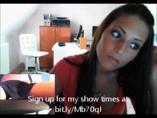 hot Büro Mädchen zeigt Mieze
