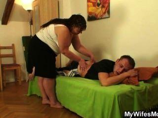 seine Frau verlässt und er knallt Fett Mutter-in-law