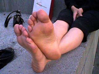 große stinkende Füße aus Wohnungen