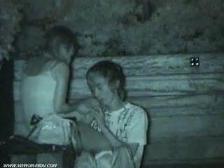 öffentlichen Park Sex auf hidden cam gefangen