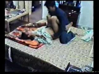 indisches Mädchen Sex von ihrem Partner aufgenommen gefickt durchgesickert Online mms