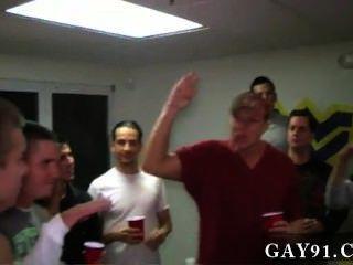 Homosexuell Video sind diese Jungs ziemlich lächerlich. sie haben diese 2 Leute, die