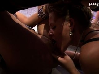 hot rasierte Muschi analsex