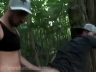 matt se fait Dosierer dans les bois par cristiano