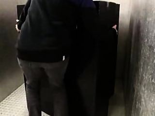 MILF mit großen Arsch geleckt in 69 ihre Muschi gefickt cum auf Titten auf die immer