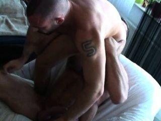 2 sexy daddies hot nackte Sitzung mit