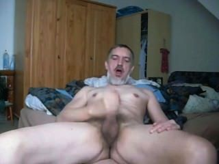 Cumming im Bett