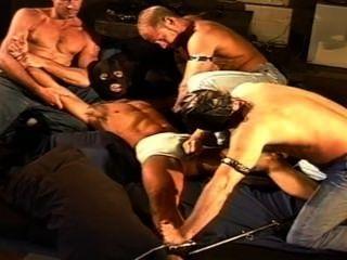 cbt 4 Muskel Stud Ball bashing Orgie.