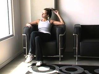 Madeline verschwitzten Füße nach dem Training