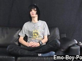 erstaunliche Twinks leo sicherlich die Definition von emo ist. lange schwarze