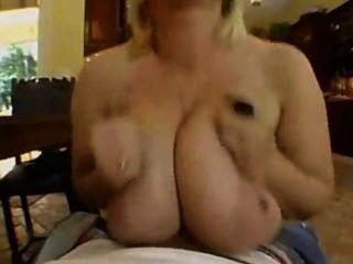 samantha 36g fickt, saugt und Titty fickt handy man