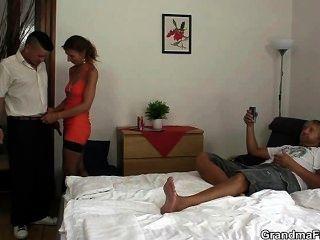 heißen Dreier in einem Hotelzimmer