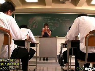 Japanische Mädchen angegriffen lüsternen Privatlehrer an university.avi