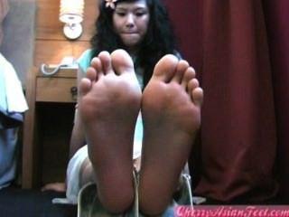 chinesische junge Mädchen Füße Sohlen Zehen