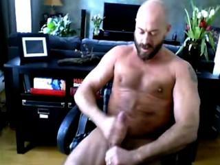 Muskel Hunk solo super sexy - rasierten Kopf und bärtig - Teil II