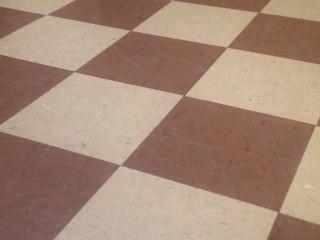 zwei heiße unsichtbar und stumm Lesben ficken auf dem Boden
