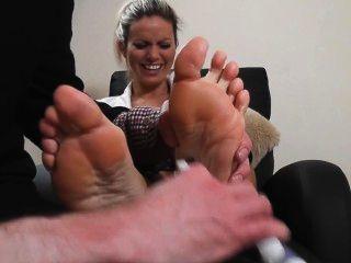 Izzy heißeste Schülerin Fuß kitzeln