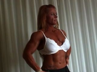 christine moore - Bodybuilderin