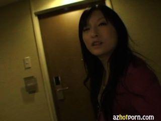 azhotporn - Domina Gesicht asiatischen Fetisch sitzen