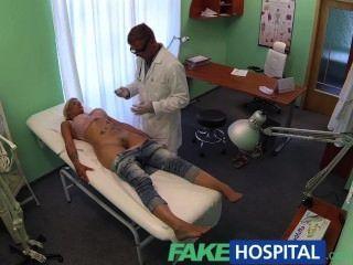 fakehospital Arzt Sonden Patienten mit seinen Schwanz Pussy