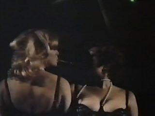 zwei weibliche Spione mit geblümten Höschen (1979) film