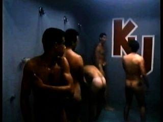 robbie benson und seine Freunde in ku Duschen laufen tapfer. klassisch!
