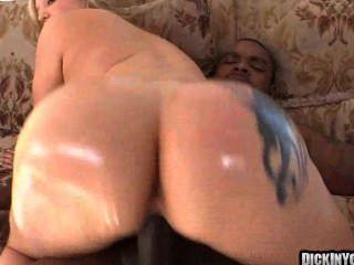 große alte Titties durch riesige Schwänze 11 gefickt