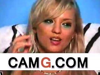 sexy blonde Rauchen auf Live-Webcam