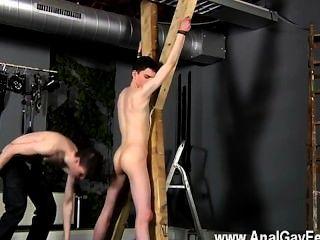 hot Homosexuell Sex Opfer aaron bekommt eine Tracht Prügel, dann anständig sein FICKLOCH bekommt