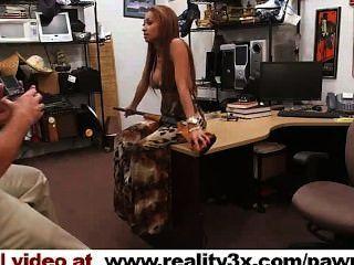 echte spycam Porno: crazy bitch in einer Pistole gebracht, sie habe noch gefickt