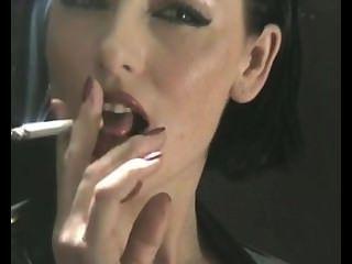 sexy Rauchen in Latex