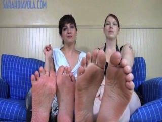 große Füße winzige Füße