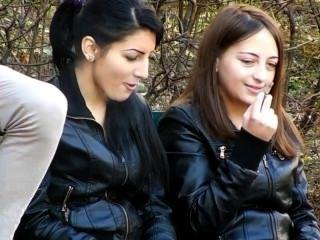 Rauchen hübsche Damen [Teil 1]
