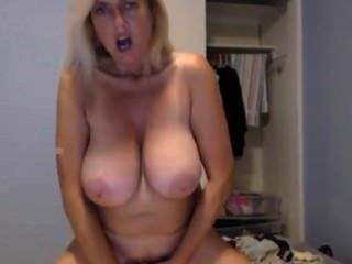 atemberaubende xxx pornstar Tahnee taylor mit riesigen 38DD Titten