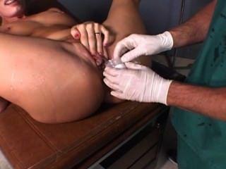 Daryl beim Arzt