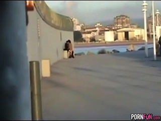 verrückt geilen Teens ficken in der Öffentlichkeit