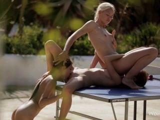 lesbischen Dreier auf dem Tisch