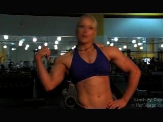lindsey c blonde Turnhalle Muskel