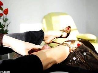 nicole 24 - sexy foot