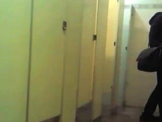 bj im Badezimmer