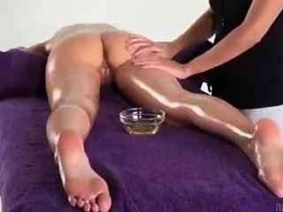 orgasmisch Schüttelfrost Massage