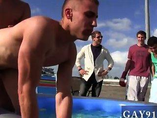 Homosexuell Jungs gut diese Stollen scheinen die Reaktion auf diese Frage zu kennen