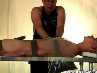 Homosexuell Video gefesselt und auf Gedeih und Verderb von seinem Papa ist alex gemacht