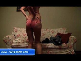 geile blonde Mädchen mit einem großen Sex-Show präsentieren auf Webcam kostenlos 100tipcams.com
