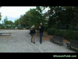 Nymphe reitet Boner auf Parkbank