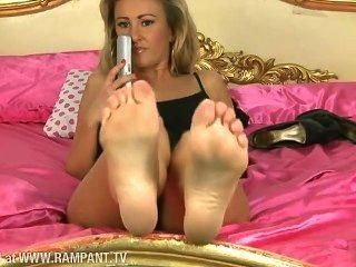 stephanie wright nackten Füße und ass