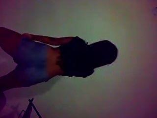 bailando colombiana