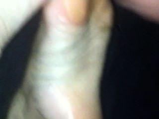 Cumshot auf ziemlich kleine asiatische Füße