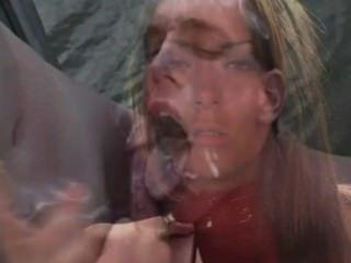 Sissy Training - sexy Raucher macht Hahn anbeten