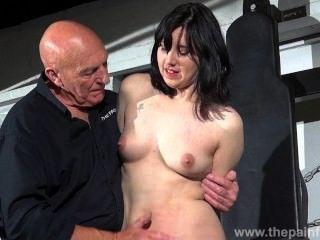 geknebelt Slave Ehrlichkeit Cabelleros erotische Dominanz und Nippel Folter